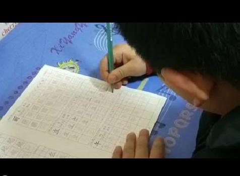 从抓住爸爸手才能写字到能独立写好字的成功蜕变